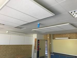 DecoDemp Akustik og støjdæmpning til loft . Lydflåde akustik paneler til loft montering.